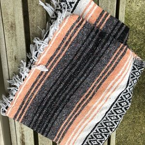 Thick woven blanket